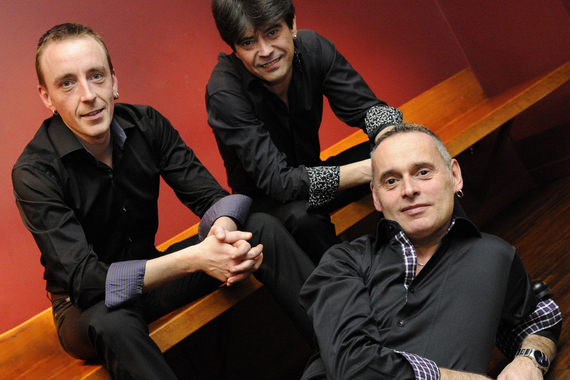 photo-trio-1-officielle